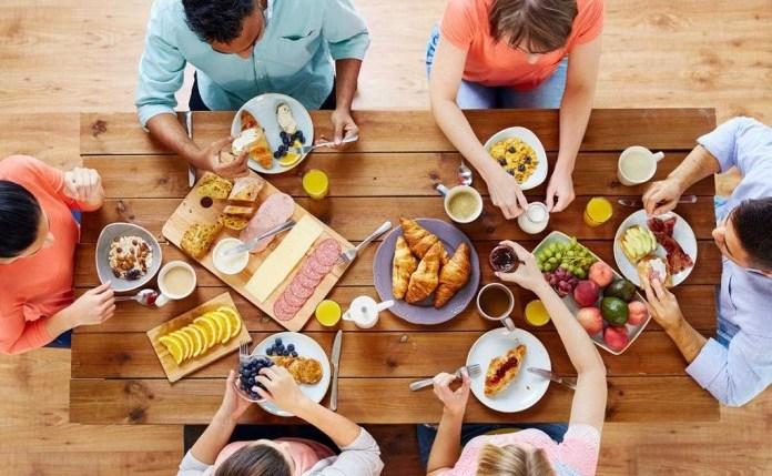 Gente a colazione